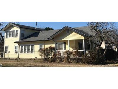 Okmulgee Single Family Home For Sale: 1022 E 9th Street