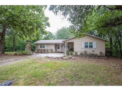 Mounds Single Family Home For Sale: 575 N 257th Road