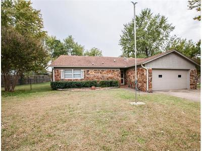 Owasso Single Family Home For Sale: 10606 E 112th Place North