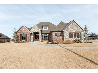 Owasso Single Family Home For Sale: 7056 N Wilderness Trail