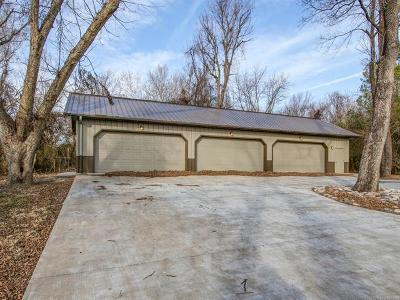 Tulsa Single Family Home For Sale: 4736 S Columbia Place