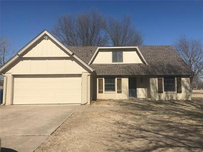 Osage County, Rogers County, Tulsa County, Wagoner County Single Family Home For Sale: 15605 E 94th Street North