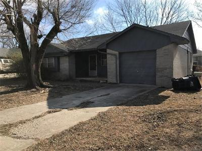 Ada Single Family Home For Sale: 909 Charles Drive