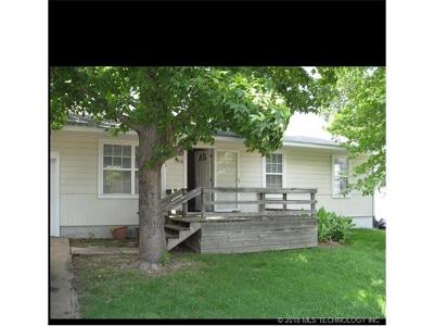 Collinsville Single Family Home For Sale: 1918 W Main Street