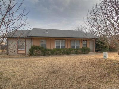 Sapulpa Single Family Home For Sale: 328 W Norma Street