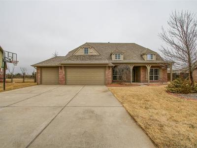 Jenks Single Family Home For Sale: 10705 S Olmsted Street