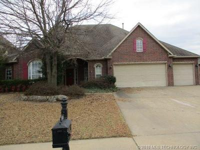 Broken Arrow Single Family Home For Sale: 3408 N Narcissus Avenue