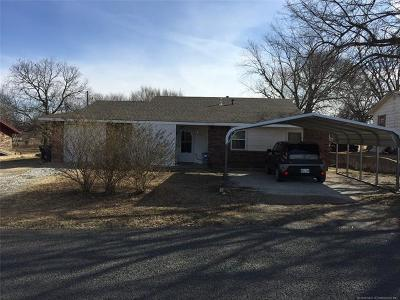 Stratford OK Single Family Home For Sale: $78,500