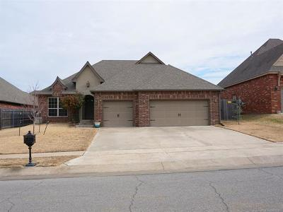 Broken Arrow Single Family Home For Sale: 2615 S 14th Place