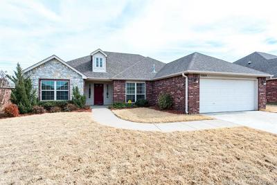 Owasso Single Family Home For Sale: 9909 N 103rd East Avenue