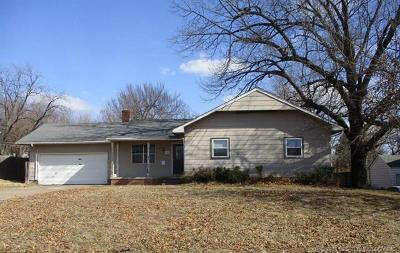 Sand Springs Single Family Home For Sale: 1217 N Main Street