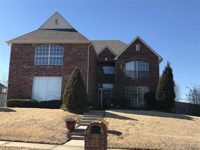 Broken Arrow Single Family Home For Sale: 520 S 67th Street