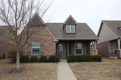 Jenks Single Family Home For Sale: 4018 W 104th Place S