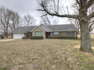 Claremore Single Family Home For Sale: 18885 S Hisaw Drive