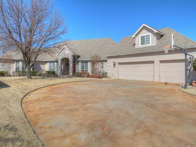 Broken Arrow Single Family Home For Sale: 7608 E Broadway Street