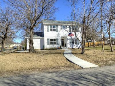Skiatook Single Family Home For Sale: 801 S Broadway Street