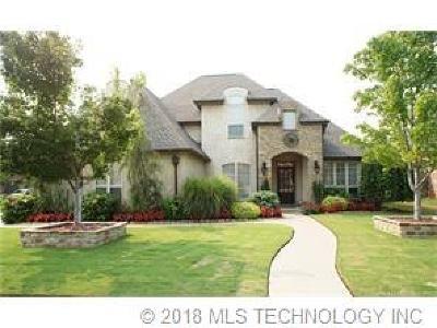 Tulsa Single Family Home For Sale: 8766 E 105th Place