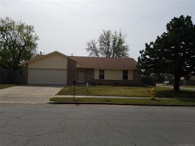 Owasso Single Family Home For Sale: 12002 E 80th Place North