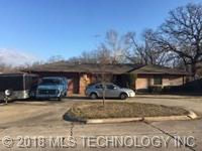 Ada OK Single Family Home For Sale: $137,000