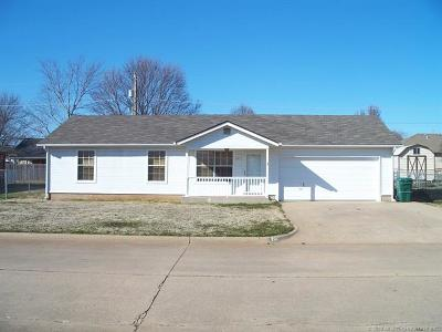 Sand Springs Single Family Home For Sale: 701 W 47th Place