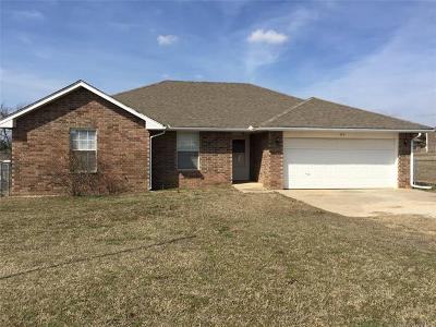 Wanette OK Single Family Home For Sale: $97,500