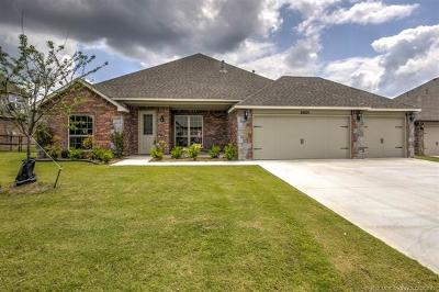 Single Family Home For Sale: 25275 Creek Bank Trail