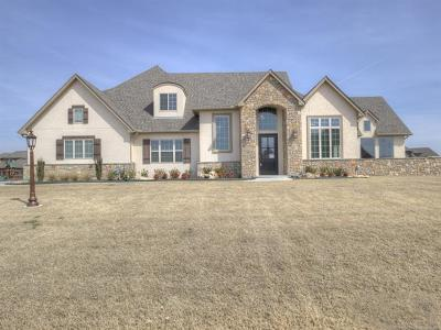 Owasso Single Family Home For Sale: 18619 Red Fox Trail