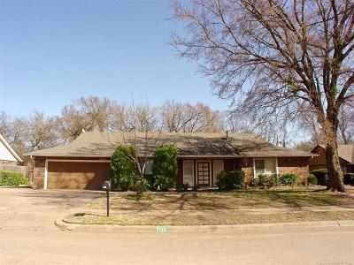 Broken Arrow Single Family Home For Sale: 7113 S Redbud Avenue