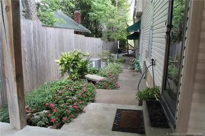 Tulsa Condo/Townhouse For Sale: 1424 S Saint Louis Avenue #5E