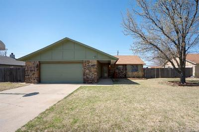 Broken Arrow Single Family Home For Sale: 304 S 24th Street