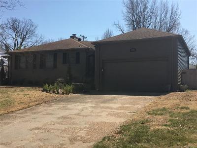 Tulsa Single Family Home For Sale: 1956 E 34th Street