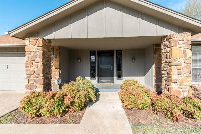 Tulsa Single Family Home For Sale: 7702 S 72nd East Place