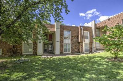 Tulsa Condo/Townhouse For Sale: 6715 S Richmond Avenue #639