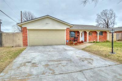 Tulsa Single Family Home For Sale: 303 S 117th East Place