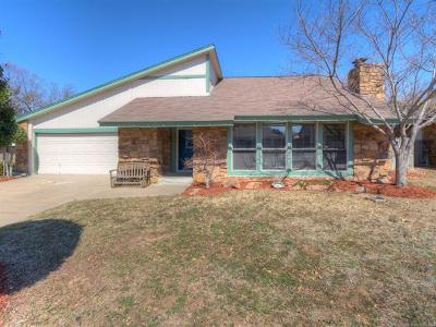 Broken Arrow Single Family Home For Sale: 2316 W Memphis Place