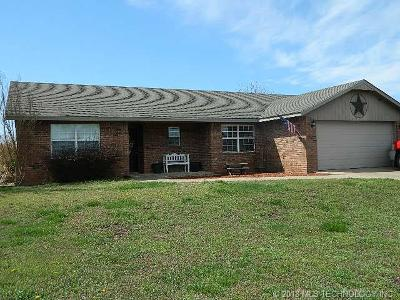 Tahlequah OK Single Family Home For Sale: $139,900