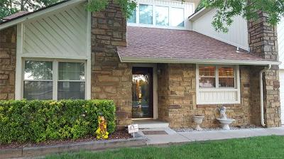 Broken Arrow Single Family Home For Sale: 9326 Clearview Drive