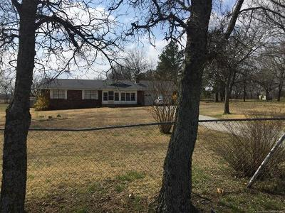 Skiatook Single Family Home For Sale: 4568 W Country Road