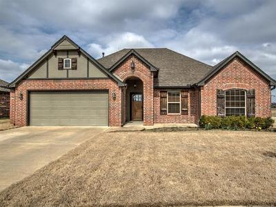 Collinsville Single Family Home For Sale: 12465 E 130th Street N