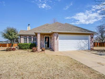 Sand Springs Single Family Home For Sale: 301 W 35th Place