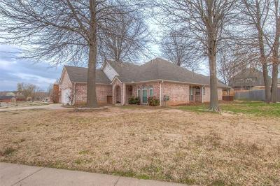 Jenks Single Family Home For Sale: 199 W 113th Court S