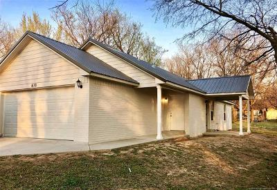 Claremore Single Family Home For Sale: 416 S Cherokee Avenue