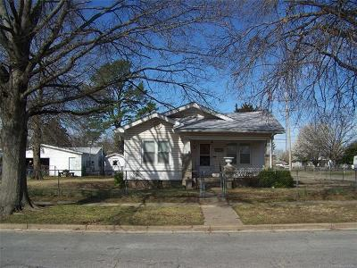 Okmulgee Single Family Home For Sale: 316 N Sherman Avenue
