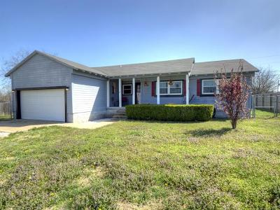 Collinsville Single Family Home For Sale: 11891 N 194th East Avenue