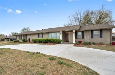 Claremore Single Family Home For Sale: 229 E 15th Street