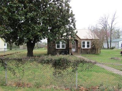 Tahlequah Single Family Home For Sale: 811 W Choctaw Street