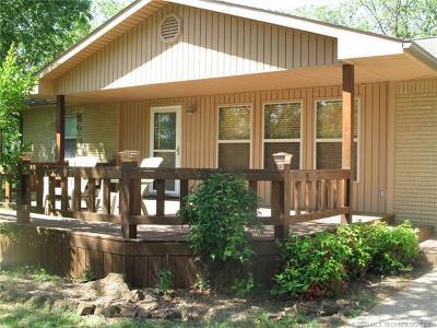 Cookson OK Single Family Home For Sale: $127,000