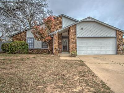 Broken Arrow Single Family Home For Sale: 1108 W Gulfport Place