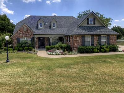 Owasso Single Family Home For Sale: 9907 N 185th East Avenue