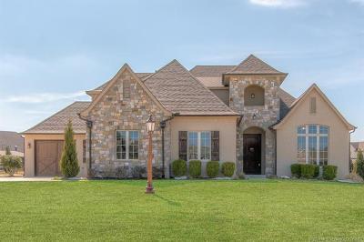 Owasso Single Family Home For Sale: 6330 N Locust Lane